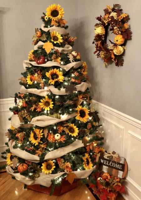 Summer Christmas Tree Ideas - Sunflower Christmas Tree